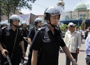 الصين تحظر النقاب واللحى في إقليم تركستان الشرقية