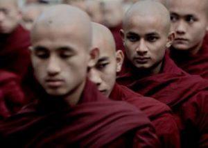 متطرفون بوذيون يهدمون منازل الروهنغيا في أراكان