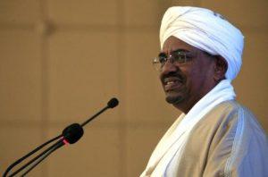 السودان يقرر تسليم البشير للجنائية الدولية