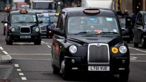 هجوم عنصري على سائق مسلم في بريطانيا