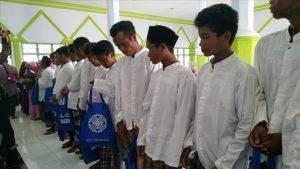 إندونيسيا.. 300 شخص يدخلون الإسلام جماعيا