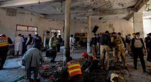 استشهاد 8 طلاب في تفجير بمدرسة دينية غربي باكستان