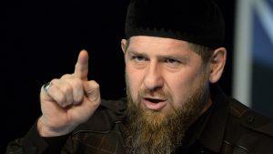 الرئيس الشيشاني: توقف يا ماكرون عن الإساءة للنبي الكريم وإلا…