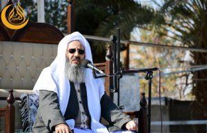 فضيلة الشيخ عبد الحميد ينتقد تهاون الحكومة في استيراد لقاح كورونا