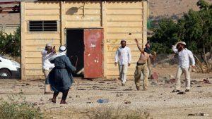 """""""هآرتس"""": ارتفاع عدد جرائم واعتداءات المستوطنين على الفلسطينيين بالضفة"""