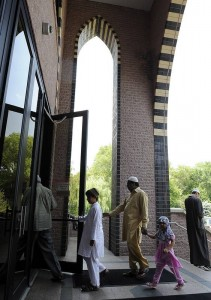 Chicago Mosques Welcome Non-Muslim Visitors
