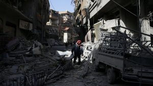 Syrian army cuts off largest town in Ghouta enclave, splitting it into three
