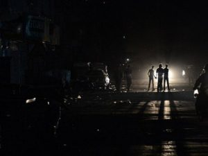 Pakistani authorities work to restore power after blackout