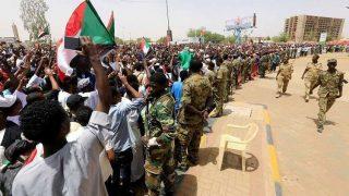 معترضان سودانی خواستار انحلال کامل شورای نظامی انتقالی شدند