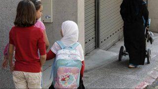 با تصویب پارلمان، حجاب در دبستانهای اتریش ممنوع شد