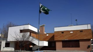 سفارت پاکستان در افغانستان صدور روادید را متوقف کرد