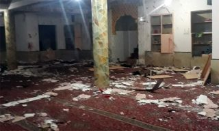 انفجار بمب در مسجدی در کویته پاکستان دهها کشته و زخمی برجا گذاشت