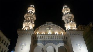 پخش قرآن از مساجد الجزایر برای حفظ آرامش در بحران کرونا