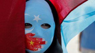 چین مسلمانان اویغور خارج از این کشور را مجبور به «جاسوسی» میکند