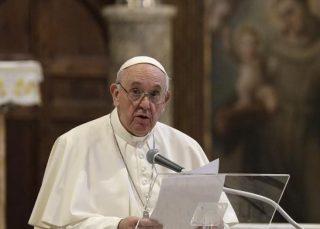 پاپ برای نخستین بار اویغورهای چین را «آزاردیده» توصیف کرد