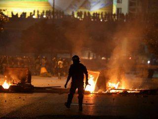 موج تازه اعتراضها به فقر و فساد در لبنان