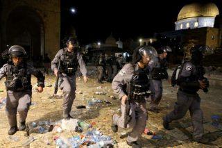 زخمی شدن 205 فلسطینی در حمله اشغالگران اسرائیلی به مسجدالاقصی