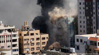 اسرائیل دفاتر شبکه الجزیره و آسوشیتدپرس در غزه را بمباران کرد