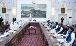 دیدار وزیر خارجه قطر با نخستوزیر دولت موقت افغانستان در کابل
