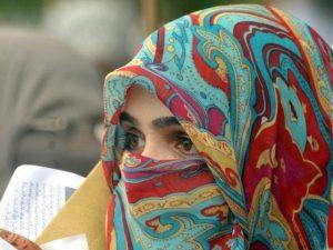 بھارت میں حجاب پہننے پر طالبہ کو کلاس سے نکال دیا گیا