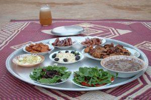 رمضان میں بوقتِ سحری اذان کے دوران کھانا پینا