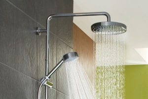 روزے میں غسل کرتے ہوئے پانی ناک میں چلے جائے تو کیا حکم ہے؟