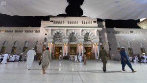 ماہ صیام کے دوران مسجد نبوی کے 100 دروازے زائرین کے لیے کھلے