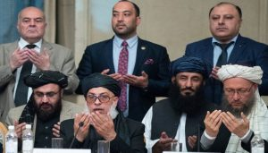 ملا عبدالغنی برادر، امریکا سے مذاکرات کے لیے قطر پہنچ گئے