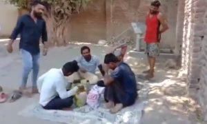 بھارت: 'گوشت' کھانے پر 4 مسلمان نوجوانوں پر انتہاپسند ہندوؤں کا تشدد
