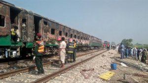 تیزگام ایکسپریس میں آتشزدگی سے 66 افراد جاں بحق، 30 زخمی