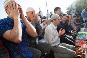 اسلامی اور مغربی تہذیبوں کے درمیان عالمی کشمکش کا ایک منظر