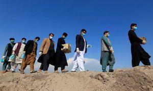 افغانستان: طالبان کا کورونا وائرس سے متعلق طبی عملے کے تحفظ کا وعدہ