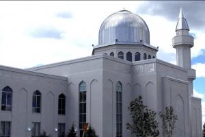 کینیڈا: پہلی بار مساجد کے اسپیکرز سے اذانِ مغرب سنائی دی