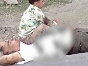 مقبوضہ کشمیر میں بھارتی فوج کے ہاتھوں کمسن نواسے کے سامنے نانا شہید