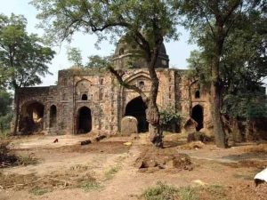 بھارت میں سیکڑوں و تاریخی مساجد مندروں، گوردواروں میں تبدیل