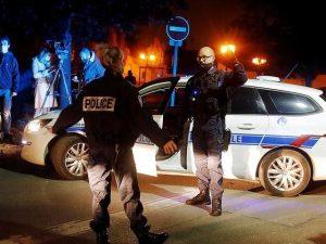فرانس میں گستاخانہ خاکوں کی نمائش پر استاد قتل، پولیس فائرنگ سے نوجوان شہید