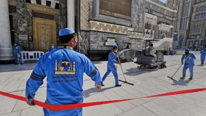 مسجد حرام میں روزانہ کی بنیاد پر 4500 لیٹر جراثیم کش مواد چھڑکا جاتا ہے