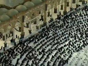 کورونا وبا کے بعد پہلی بارمسجد الحرام کا صحن نمازیوں سے بھرگیا
