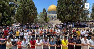 پچاس ہزار فلسطینیوں نے مسجد اقصیٰ میں نماز جمعہ ادا کی
