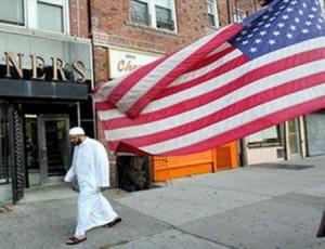 """""""فرح خان"""".. أول عمدة مسلمة لمدينة أمريكية تواجه """"الإسلاموفوبيا"""""""