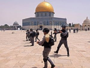 20 Palestinians injured as Israeli police fire stun grenades at Al Aqsa hours after Gaza truce
