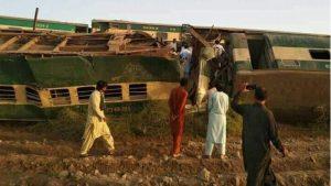 صوبہ سندھ میں گھوٹکی کے قریب دو مسافر ٹرینوں میں تصادم، کم از کم 30 افراد ہلاک